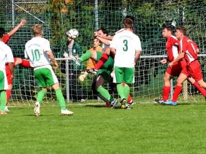 Steven Hurst erzielte bei der Reserve den entscheidenden 2:1-Treffer (Foto: Gerhard Brune)